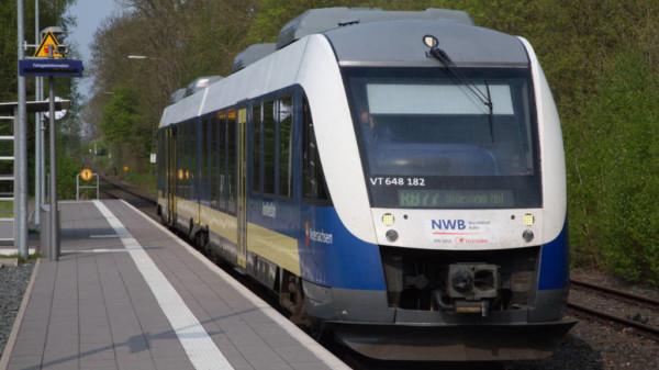 NordWestBahn am Bahnhof Osterwald